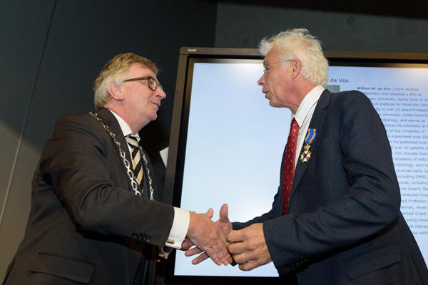 Willem de Vos receives royal recognition